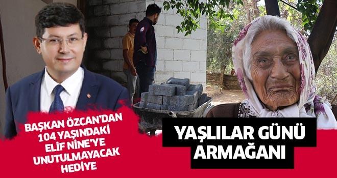 Başkan Özcan'dan anlamlı hediye