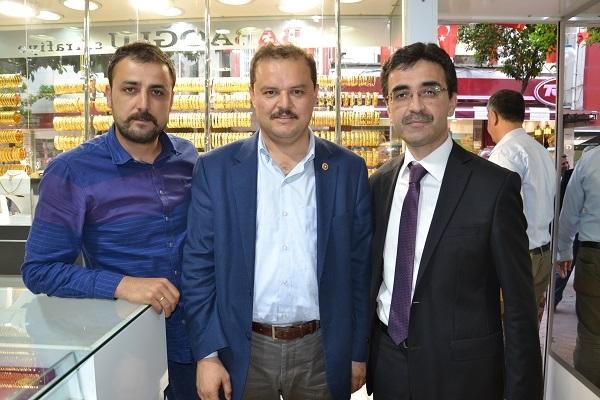AK Partili Öz Nazillili vatandaşlarla sohbet etti
