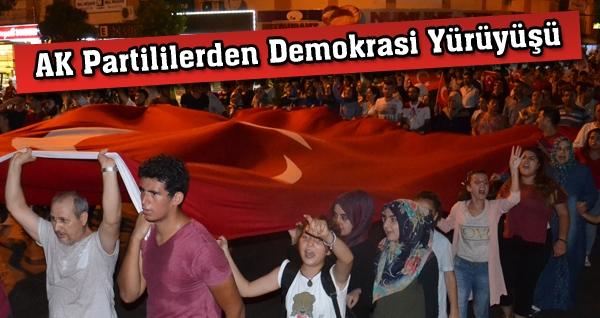 AK Partililerden Demokrasi Yürüyüşü