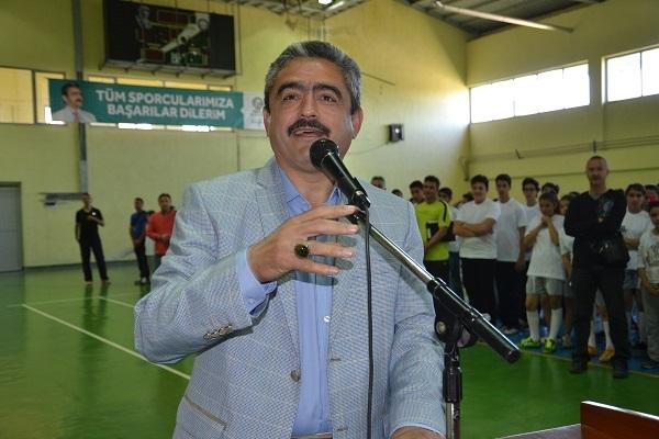 Başkan Alıcık 23 Nisan spor şenliklerine start verdi