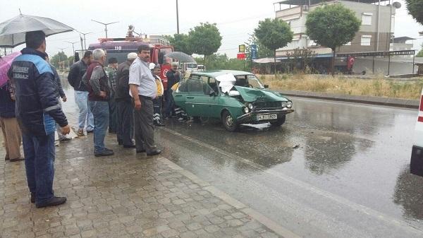 Kuyucak'ta feci kaza: 1 ölü 4 yaralı