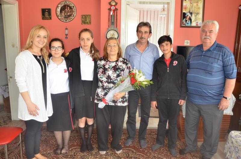 Şehit ailesine anlamlı ziyaret