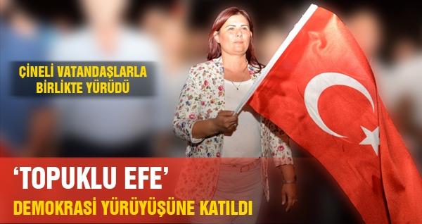 'Topuklu Efe' Demokrasi İçin Yürüdü